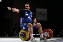 وزنه برداری ایران علیه دشمن شماره یک!