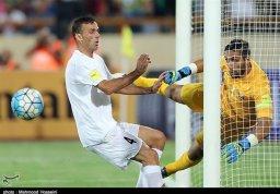 حسینی بهترین بازیکن بازی ایران