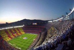 117سال عشق به کاتالان با پیراهن آبی اناری