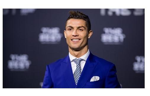 کریستیانو رونالدو+ بهترین بازیکن مرد سال +بهترینهای فیفا