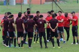 تیم ملی فوتبال قطر به مصاف امارات می رود