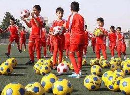 آغاز فعالیت مدرسه فوتبال شهرداری همدان با 350 هنرآموز