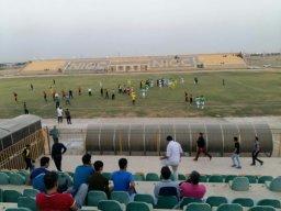 میدان فوتبال به رینگ بوکس تبدیل شد