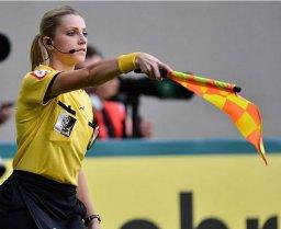 اولین کمک داور زن تاریخ جامهای جهانی